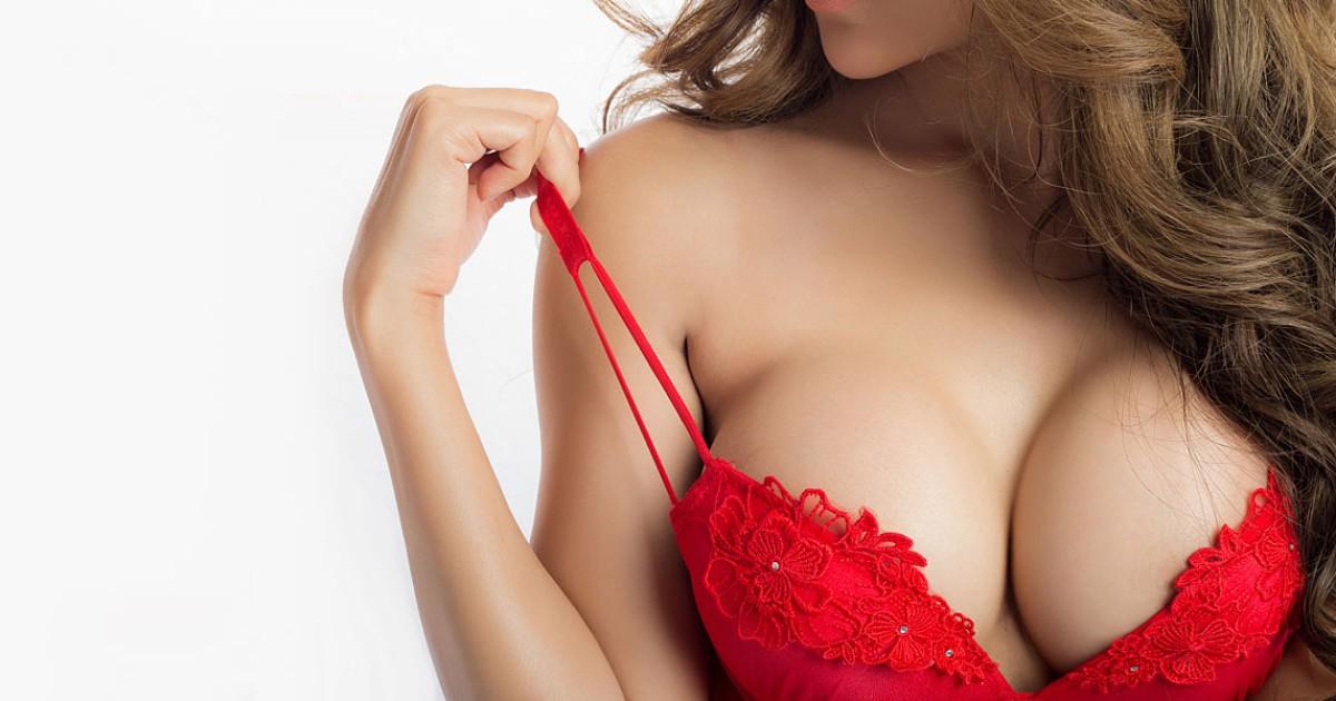 Ser sexual com um pequeno peito