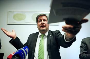 """Bruno de Carvalho, presidente do Sporting, durante o lançamento do livro """"Bruno de Carvalho - O Presidente Sem Medo"""" da autoria de Bruno Roseiro, Lisboa. 22 de maio de 2014."""