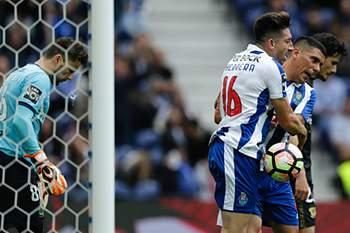 33.ªJ: FC Porto-P.Ferreira 16/17