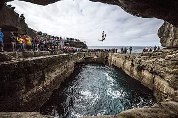 Recorde a primeira etapa do Cliff Diving na Irlanda