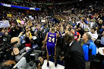 Kobe Bryant sai no final da época