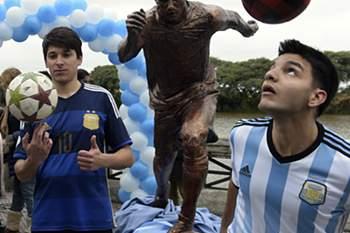 Toda a Argentina quer vê-lo de novo na seleção