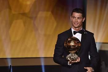 Cristiano Ronaldo chega aos 30