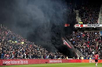 Há literalmente fumo negro no futebol