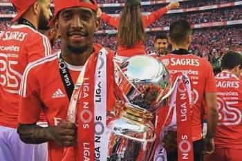 Benfica faz a festa do 35 nas redes sociais