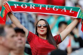 Cachecóis ao alto, hoje joga Portugal