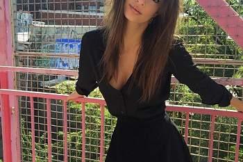 Emily Ratajkowski, uma beldade que faz parar o trânsito