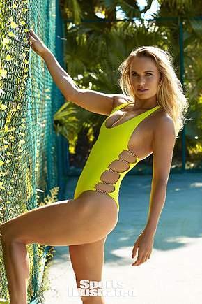 Caroline Wozniacki em grande forma na praia
