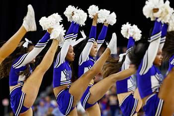 'Cheerleaders' dão as boas vindas à Primavera
