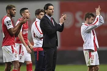 Jorge Simão e os seus jogadores