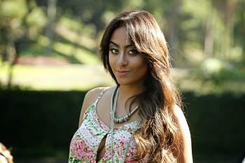 Irmã de Neymar incendeia as redes sociais