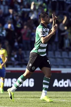 Alan Ruiz celebra golo do empate