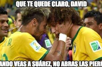 "David Luiz humilhado na internet após ""cuecas"" de Luis Suárez"