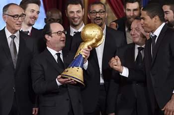 Hollande com a equipa francesa de andebol