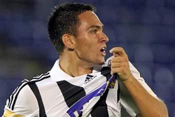 Os craques que podem reforçar Benfica, FC Porto e Sporting
