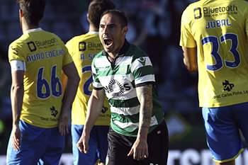 Bruno César comemora golo marcado