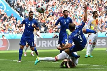 1/8 de final: As melhores imagens do Espanha-Itália