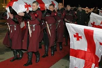 Corpo de Kumaritashvili chegou à Geórgia