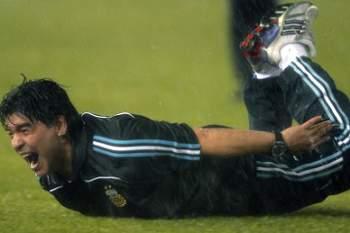Maradona reúne-se com federação para definir futuro como seleccionador