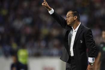 Aris Salónica derrotado no campo e na secretaria
