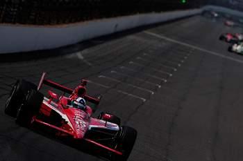 500 milhas Indianápolis ganha por Wheldon na última curva