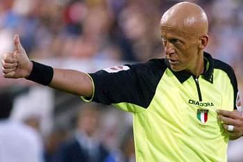 Pierluigi Collina defende o recurso ao vídeo para ajudar árbitros