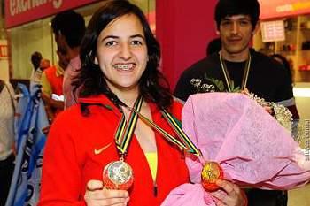 Joana Santos conquista ouro