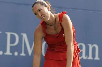 Jelena Jankovic cai na primeira ronda
