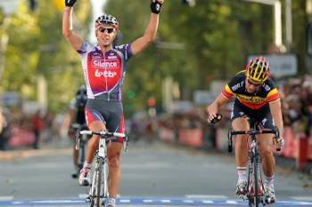 Gilbert vence Paris-Tours