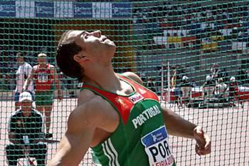 Jorge Grave bate recorde nacional do disco