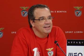 Benfica inicia final com vitória