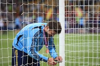 Piqué levou a rede da baliza para Shakira