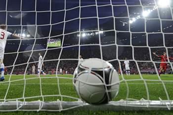 República Checa e Polónia abdicam de organizar o Euro2020