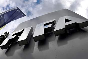 FIFA quer simplificar regras do fora de jogo