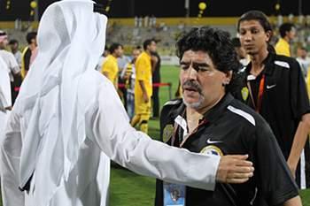 Maradona quer indemnização de 17 milhões de euros