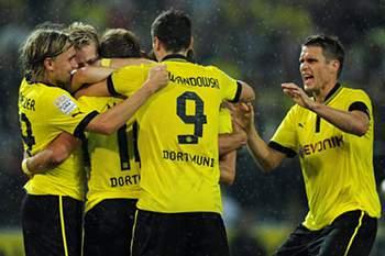 Dortmund goleia Hanover