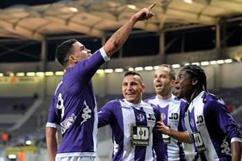 Toulouse vence (2-0) Sochaux