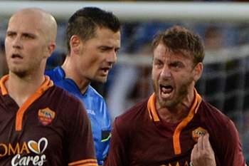 Murro dá três jogos de castigo a De Rossi