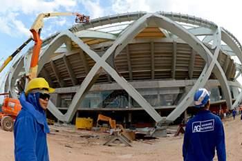 Procuradores brasileiros pedem suspensão das obras