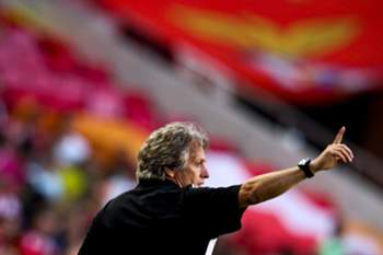 Karembeu diz que Benfica é equipa em construção
