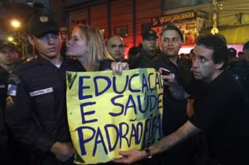 Protesto dificultou saída dos espetadores