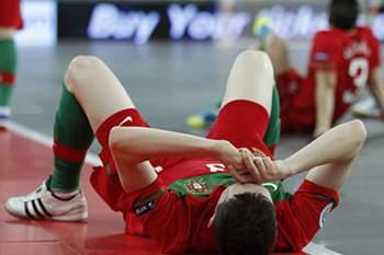 Seleção regressa a Lisboa sem glória