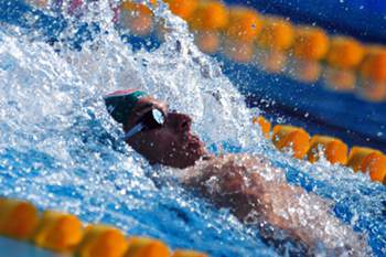 Pedro Oliveira bate recorde português dos 100 metros costas