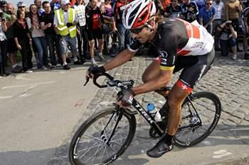 Fabian Cancellara faz o 'tri' na Volta à Flandres