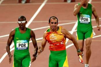 Firmino Baptista bate recorde nacional, mas falha final dos 100 metros