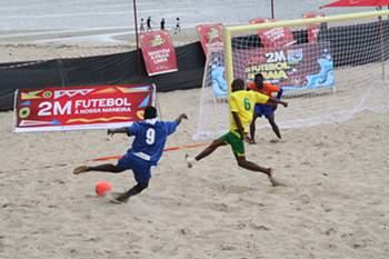 Copa Futebol de Praia anima Costa do Sol