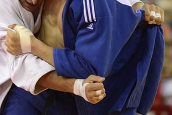 Carlos Luz eliminado no primeiro combate