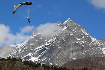 Guias nepaleses recusam voltar a subir ao Evereste esta época