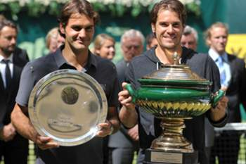 Haas surpreende Federer na final de Halle