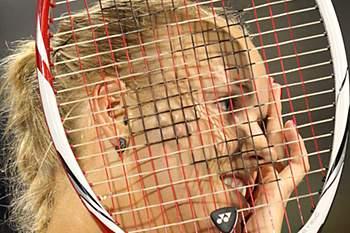 Wozniacki soma o primeiro título da época